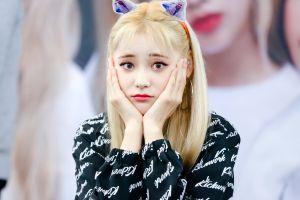 asian women loona jinsoul k-pop