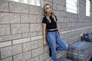 bricks reebok long hair wall t-shirt model jeans jasmine sanders women blonde