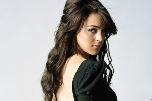 brunette celebrity looking at viewer actress face lindsay lohan black outfits long hair dark hair women