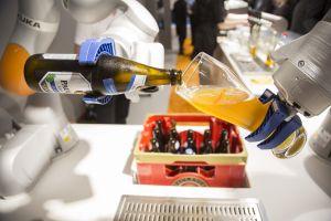 cold beer bar drinking glass bottles robot technology kuka glass