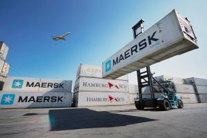 container airplane forklifts maersk maersk line