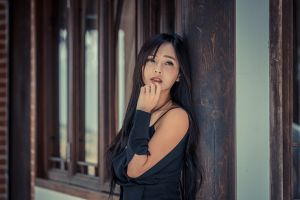 dark hair model depth of field wood women looking into the distance outdoors looking at viewer women outdoors photography portrait asian