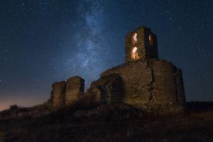 dark night stars sky ruin