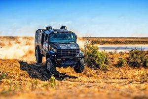desert vehicle rally truck