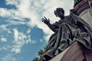edinburgh statue scotland monument