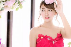 flowers photography bare shoulders women makeup model asian women indoors