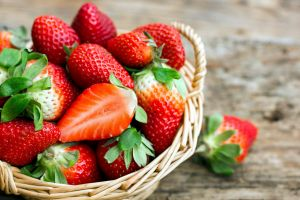 food fruit baskets red strawberries