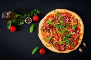 food garlic basil pizza tomatoes
