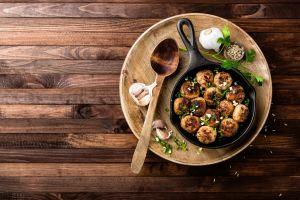 garlic spoon still life wooden surface meat food