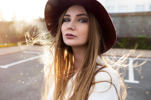 jacket 2018 (year) depth of field portrait looking at viewer women with hats street face model hat brunette sun rays lenar abdrakhmanov outdoors women
