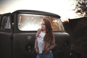 jacket white t-shirt brunette rust abandoned t-shirt jeans outdoors portrait looking away women with cars model women women outdoors combi