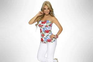 jeans daniela sanchez white jeans simple background white  pants women smiling model jeans hands on hips blonde