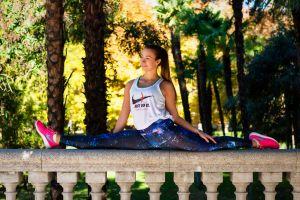 leggings brunette women splits model nike fitness model ponytail pink shoes depth of field