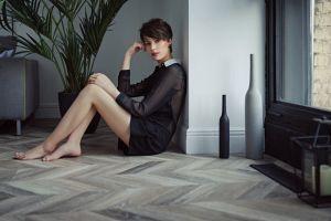 legs sitting short hair eva reber  women on the floor women indoors model sergey fat barefoot tiptoe
