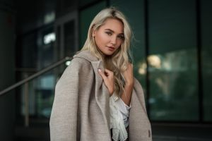 looking at viewer women portrait model blonde long hair grey coat