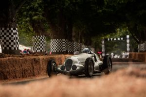 mercedes benz car race cars