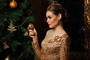 model christmas glamour red lipstick brunette profile christmas tree christmas ornaments  women glamour women