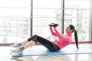 model ponytail women sneakers fingerless gloves brunette gloves working out blouses fitness model leggings blouse