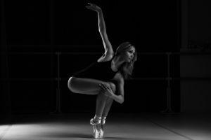model tiptoe monochrome women ballerina dancer