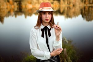 outdoors gray eyes lagoon blue eyes shirt depth of field women women with hats nastya vinogradova looking at viewer painted nails women outdoors aleksandr suhar portrait water