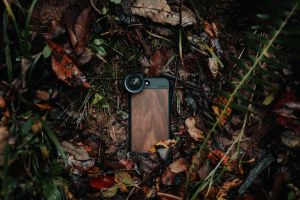 outdoors wet smartphone leaves lens