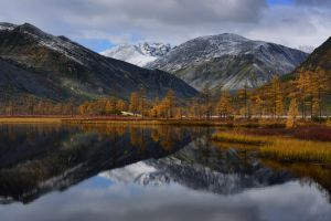 photography fall clouds nature trees maxim evdokimov reflection mirrored snowy peak landscape mountains lake russia