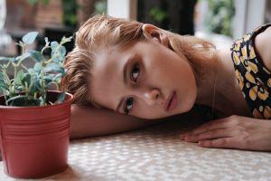 portrait blonde women looking at viewer model face women indoors
