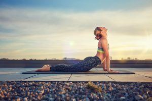 rooftops sky model yoga pants sports bra women outdoors yoga barefoot women hairbun michael kleber blonde