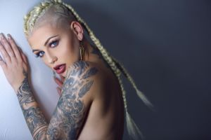 samii ryan blonde women tattoo