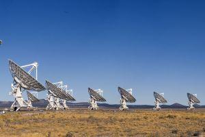 satelites radiotelescope dual display architecture landscape panoramas wide angle