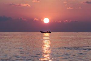 sea maldives sunset horizon boat