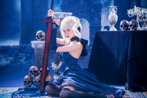skull cosplay asian louboutin women model saber alter