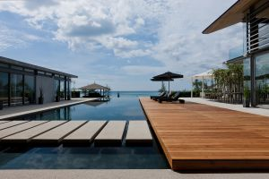 swimming pool house modern architecture