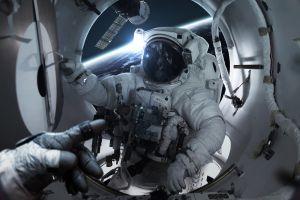 vadim sadovski digital art astronaut