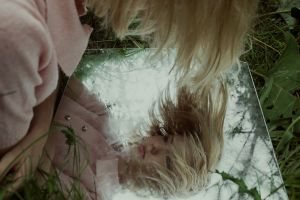 wavy hair women mirror short hair women outdoors blonde
