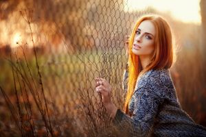 women 500px model redhead sweater looking at viewer leaves wire