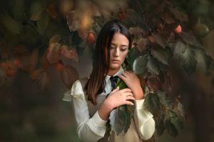 women fall portrait dark hair