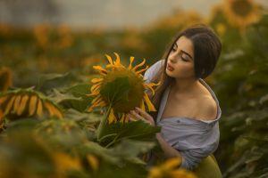 women outdoors flowers plants portrait women sunflowers