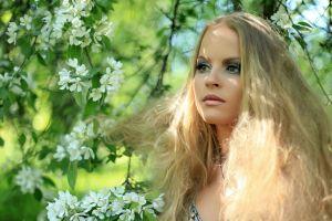 women outdoors women trees model long hair makeup flowers depth of field blonde face