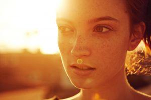 women portrait freckles backlighting women outdoors looking away redhead sunset hannah masi model lens flare sun rays