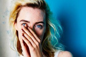 women saoirse ronan actress blue eyes
