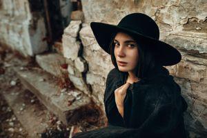 women with hats women women outdoors brown eyes hat depth of field model coats looking at viewer outdoors brunette