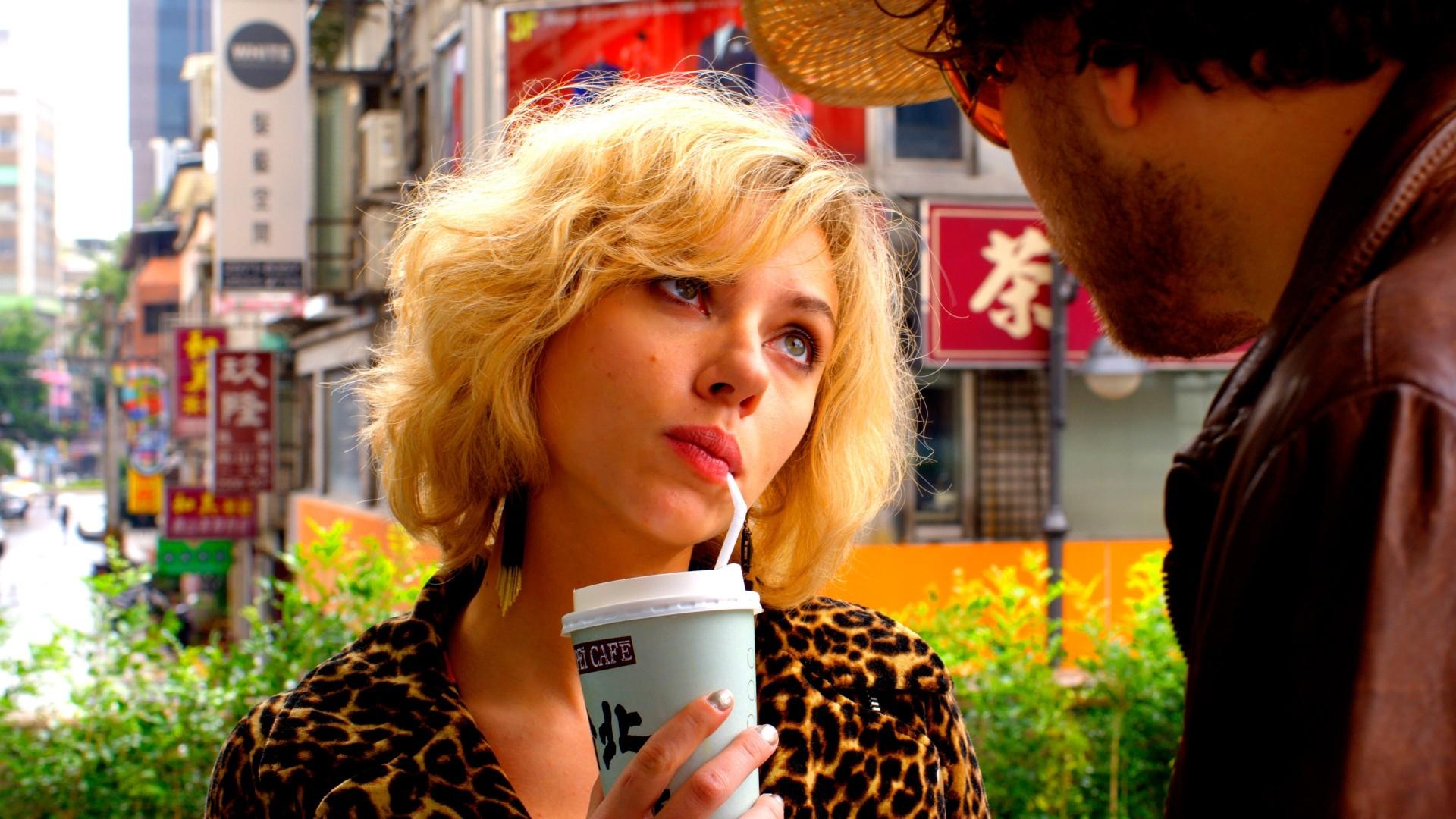 drink short hair blonde taipei scarlett johansson lucy (movie)