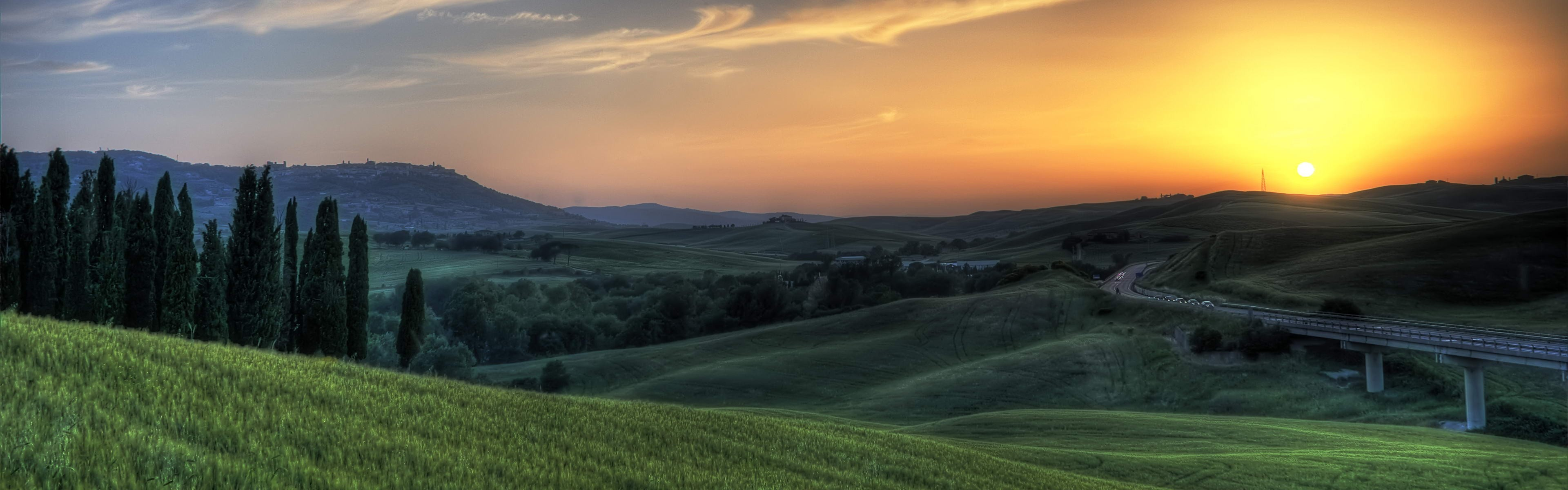 dual monitors multiple display sunset landscape plains hills tuscany