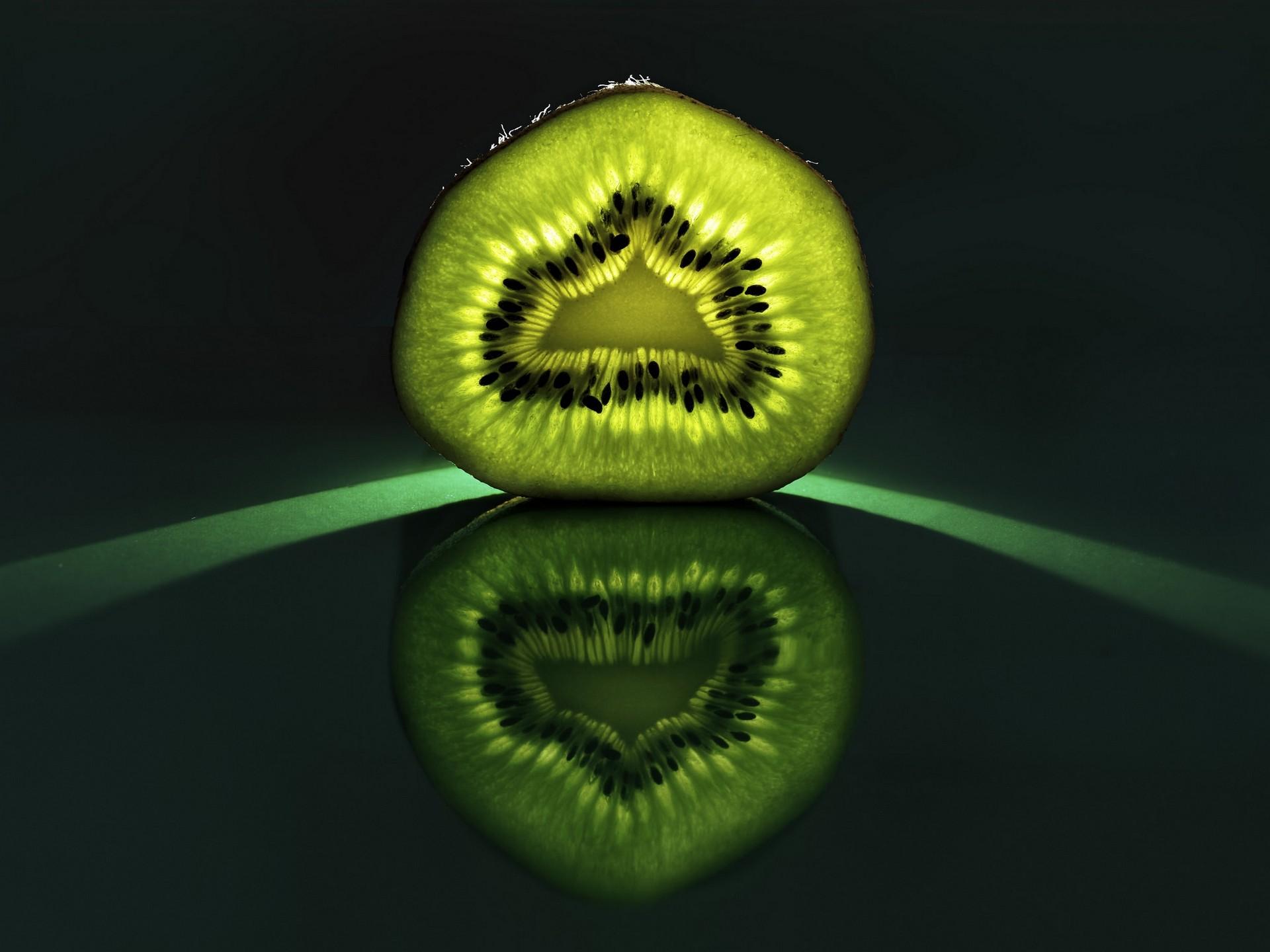kiwi (fruit) reflection fruit food