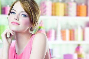 actress looking at viewer emma stone blue eyes