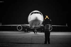 airplane lufthansa airport md-11
