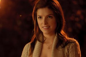 anna kendrick women actress auburn hair smiling white sweater celebrity
