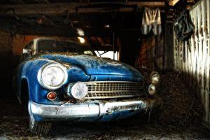 barn moskvich hay car old car