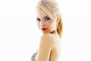 blonde actress mena suvari women
